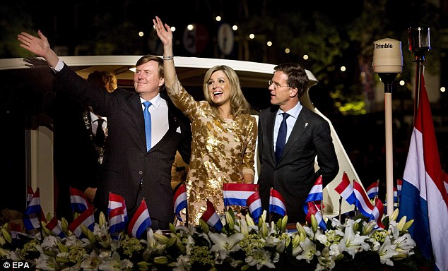 Maxima wave as they leave with Prime Minister Mark Rutte on a boat after the event